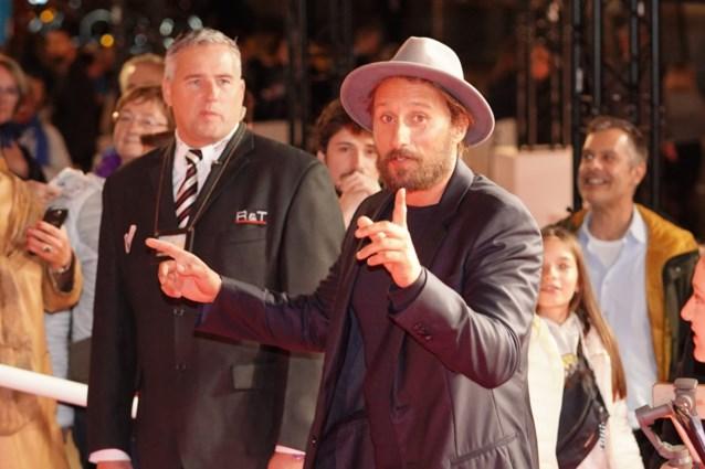 Maar twee dagen was hij in België, maar Matthias Schoenaerts sluit Film Fest Gent enthousiast af op de rode loper