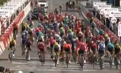 Daniel McLay klopt Pascal Ackermann in sprint in Ronde van Guangxi