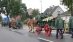 Rouwstoet met kar en paard voor Jos Van Gestel, mede-oprichter van Het Aangespannen Trekpaard
