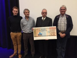 Toneel Vlezenbeek steunt Parkinson Liga