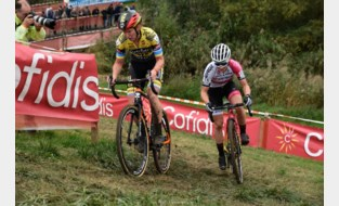 Alicia Franck net naast podium in Kermiscross Ardooie