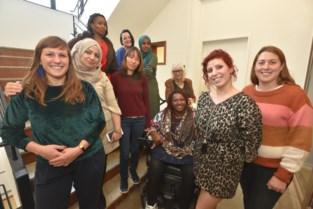 """Syrische Hanan blij met project voor vrouwen in armoede: """"Ik ben nu zelfzekerder"""""""