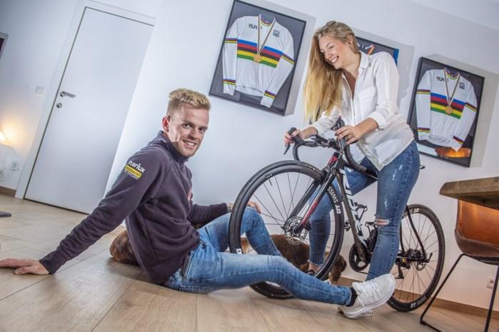 """Veldrijder Eli Iserbyt doet Wout en Mathieu even vergeten, met dank aan vriendin Fien: """"Liefde doet mij rapper rijden"""""""
