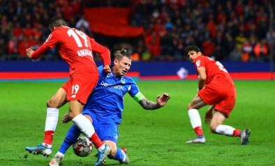 Sclessin in rep en roer na overtreding Sebastien Dewaest: geel voor Genk-verdediger, rood voor Eric Deflandre