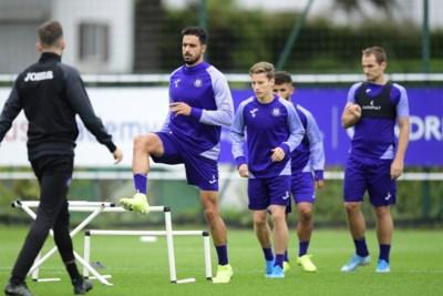 """Samira Chadli ziet haar broer helemaal opleven bij Anderlecht: """"Nacer is blij dat hij zich nu elke week kan tonen"""""""