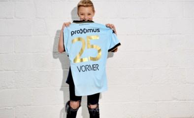 """Milan (11) vertedert Vlaanderen nadat hij truitje krijgt van Ruud Vormer: """"Jaar lang zijn aandacht proberen trekken"""""""