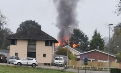 Zware brand in hoeve: bewoner voor verzorging naar ziekenhuis