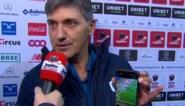 Zelden gezien: woedende Felice Mazzu toont live op tv waar VAR volgens hem in de fout ging