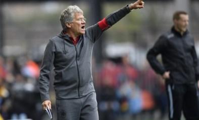Antwerp-fans misnoegd na 2 op 9, trainer Laszlo Bölöni ligt intern onder vuur