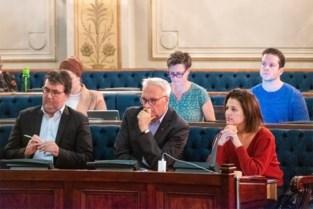 Antwerpse gemeenteraadsleden keuren forse verhoging van zitpenning goed