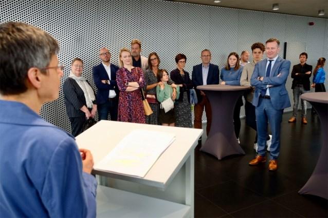 """Nieuwe Mechelse burgemeester legt de eed af: """"Ik ervaar het als een unieke eer"""""""