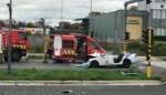 Agenten gewond na crash van combi en vuilniswagen