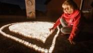 """Mama herdenkt dood van gepeste zoon (19) met 1.160 kaarsjes: """"Na jarenlang gepest te zijn nam Mathias de trein naar niemandsland"""""""