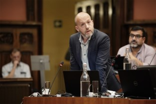 """Ophef in de gemeenteraad:""""Waar zijn de begrotingscijfers, mijnheer De Clercq?"""""""