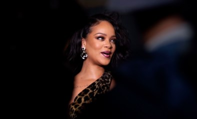 Fan lacht met voorhoofd van Rihanna, maar had dat beter niet gedaan