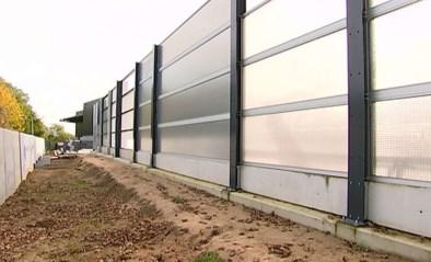 VIDEO. Bedrijf uit Tienen ontwerpt als eerste in de wereld geluidsabsorberende en doorzichtige panelen