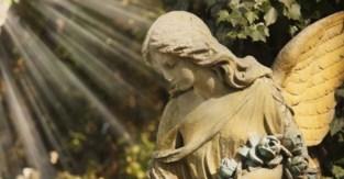 Deel van kerkhof van Sint-Pieters-Kapelle wordt ontruimd
