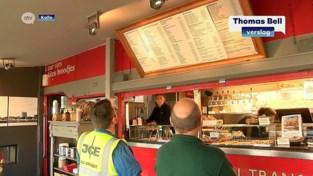 VIDEO. Populaire snackbar bij havenarbeiders verhuist naar nieuwe locatie