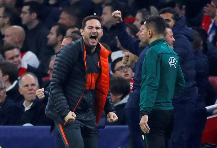 Invaller Michy Batshuayi smeert Ajax eerste nederlaag van het seizoen aan