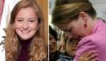 Elisabeth poseert met oorbellen van mama en trui van Zara