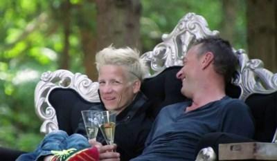 """""""'En nu oprotten hé Waes', zo typisch Marieke"""": Tom Waes neemt afscheid van zijn beste vriendin Wielemie"""