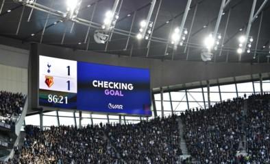 Schermen moeten VAR-ergernis in Belgische voetbalstadions indijken