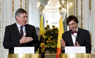 """Presidentiële ontmoeting tussen Jan Jambon en Elio Di Rupo: """"Nu er federaal vacuüm is, laten we zien dat regio's enige niveau zijn waar beleid wordt gevoerd"""""""