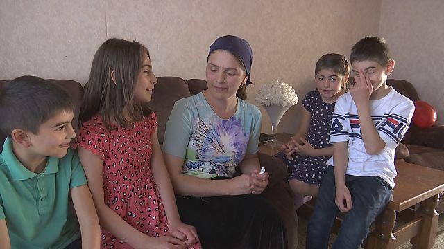 VIDEO. Na al die onzekerheid: Russisch gezin uit Alken mag toch in Limburg blijven wonen