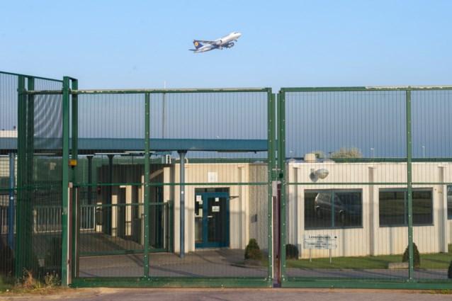 Dienst Vreemdelingenzaken heropent wooneenheden in gesloten centrum voor gezinnen met volwassen kinderen