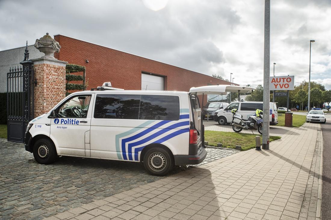 Verdachte steekpartij Auto Yvo blijft in cel, advocate tekent beroep aan
