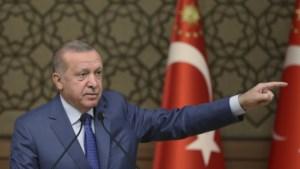 """Erdogan drijft spot met EU om bezorgdheid rond migranten: """"Als het uur geslagen is, zullen de deuren openen"""""""