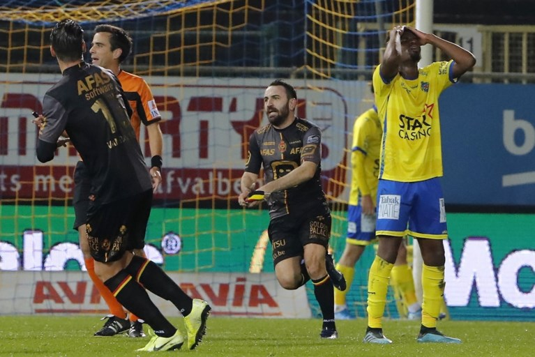 KV Mechelen springt naar de derde plaats na 1-3-zege bij Waasland-Beveren