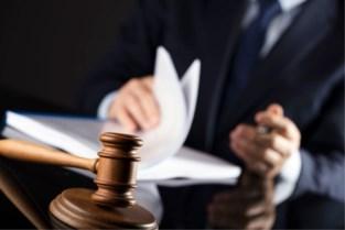 Twee jaar cel voor bankbediende die 96-jarige vrouw 85.000 euro afhandig maakte