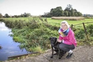 """Sarah (27) kreeg epilepsieaanval tijdens wandeling in afgelegen natuurgebied: """"Volgende keer neem ik gsm weer mee"""""""