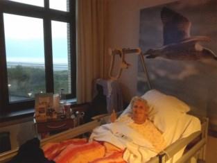 """Lena (66) zoekt dokter die haar leven redde: """"Zonder hem zou ze er niet meer geweest zijn"""""""