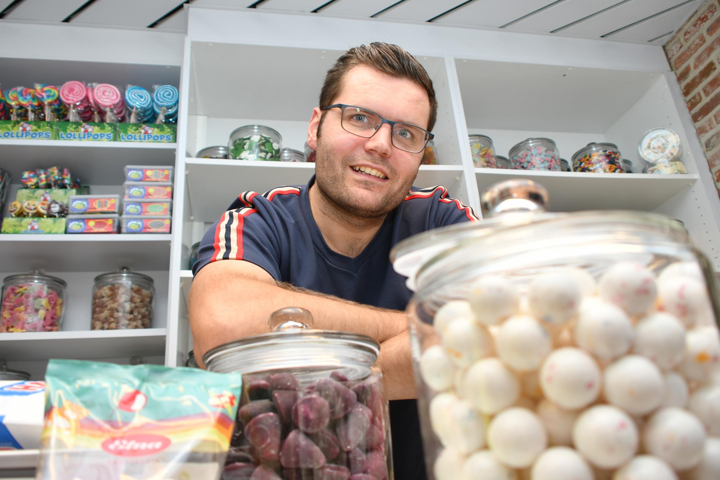 Jeroen opent snoepwinkel voor kinderen en ouders