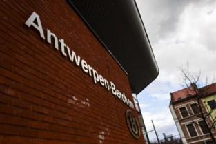 28 vermoedelijke transmigranten opgepakt bij controleactie aan Antwerpen-Berchem