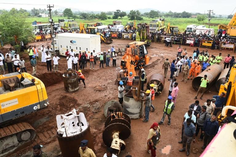 Indiase peuter (2) levenloos aangetroffen in put na vier dagen koortsachtig graven