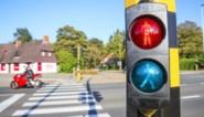 Verberg het voetgangerslicht voor automobilisten: zo moeten kruispunten veiliger worden