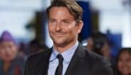 Bradley Cooper toont dochtertje voor het eerst aan de wereld