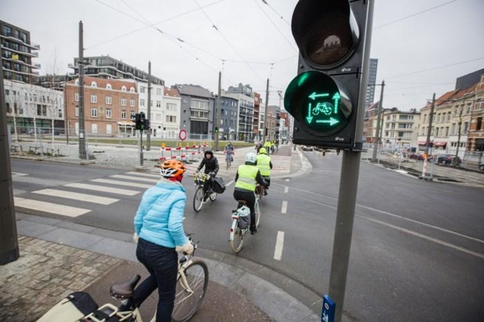 """Antwerpen schrapt 'vierkant groen' voor fietsers: """"Nieuwe wegcode is veel te onduidelijk"""""""