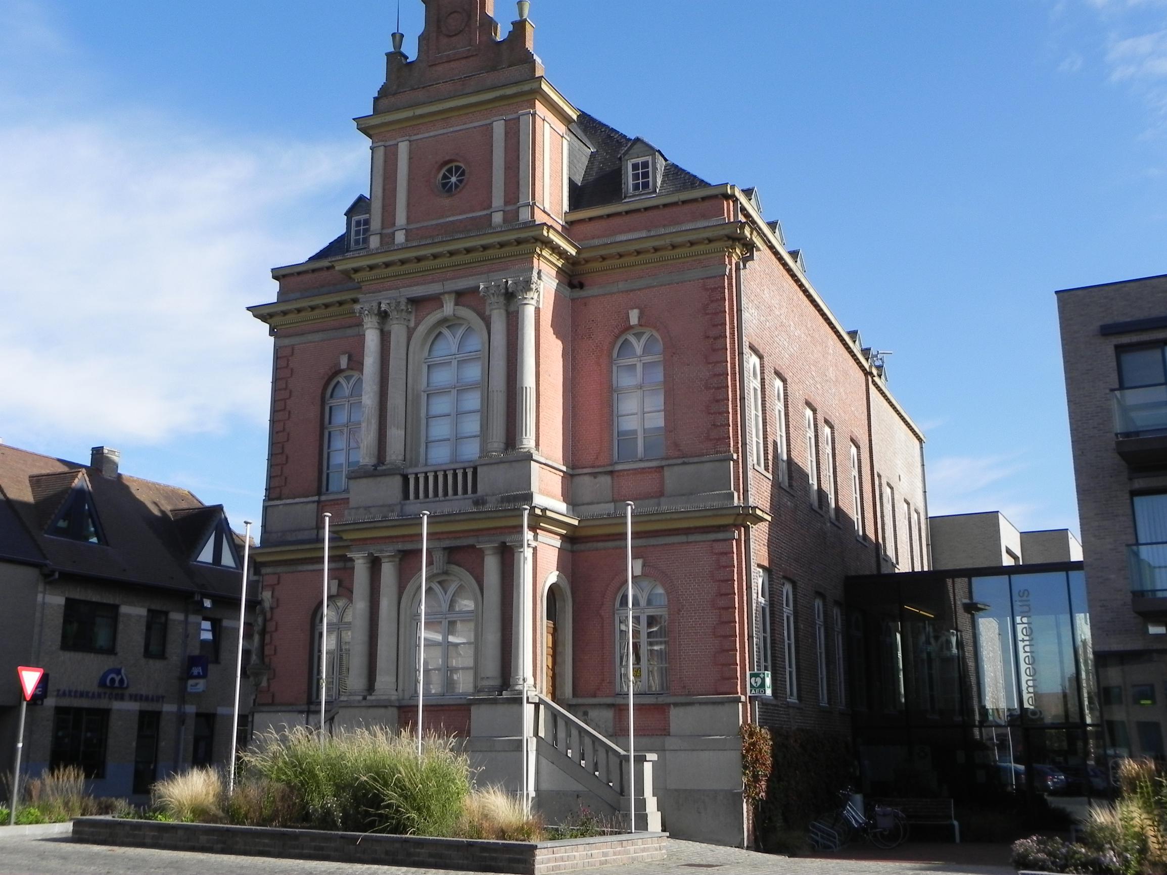 Renovatie gemeentehuis zal een miljoen euro kosten