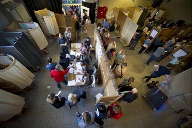 Brussels parket eist geldboetes van 600 euro van 26 bijzitters die kat stuurden op verkiezingsdag