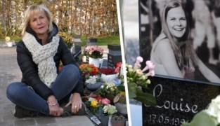 """Marijke bezoekt graf van haar verongelukte dochter Louise: """"Ga iemand die een kind verloren heeft zeker niet uit de weg"""""""