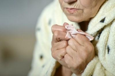 """Vrouw met vergevorderde dementie kreeg euthanasie in het geheim: """"Moeke had al meer dan genoeg geleden"""""""