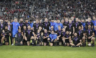 Onttroonde All Blacks veroveren brons op WK rugby