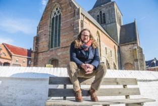 Kerk Rozebeke krijgt bewoner met grote plannen (en gesprekken gaande van streekbewoners tot Bekende Vlamingen moeten daarbij helpen)