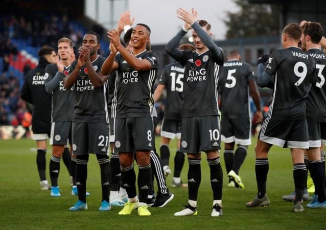 Leicester van Tielemans en invaller Praet is opnieuw derde na 0-2 zege bij Crystal Palace