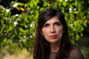 """Naast psychologe, natuurfotografe en lifecoach is Ingrid nu ook auteur: """"Ik schreef mijn boek in mijn tuinhuis"""""""