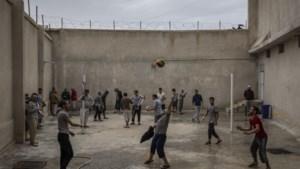 """""""We zijn geen hotel voor ISIS"""": Turkije stuurt jihadisten terug naar hun land, ook als nationaliteit afgenomen is"""